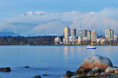 Montagne de paysage urbain et de grouse de Vancouver Photographie stock