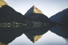 Montagne de pyramide Photo libre de droits