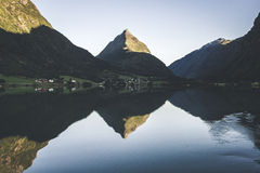 Montagne de pyramide Image stock