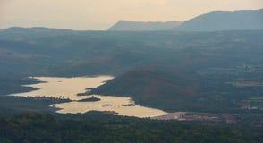 Montagne de réservoir de paysage Photo stock