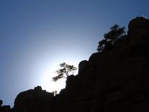 Montagne de silhouette Photo libre de droits