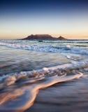 Montagne de Tableau au coucher du soleil Photos stock
