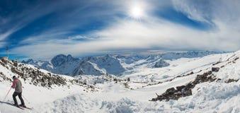 Montagne del blu di Snowy Immagine Stock Libera da Diritti