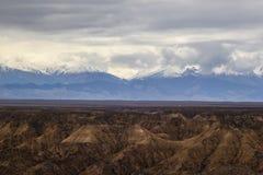 Montagne del blu di Snowy kazakhstan Fotografie Stock Libere da Diritti