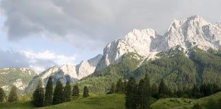 Montagne del massiccio di Wetterstein Immagini Stock
