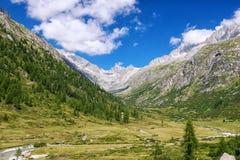 Montagne del paesaggio di HDR Fotografia Stock