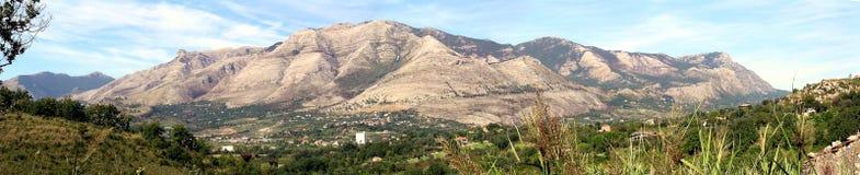 Montagne del sud dell'Italia fotografia stock libera da diritti