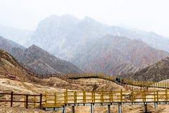 Montagne dell'arcobaleno di Danxia, provincia di Zhangye, Gansu, Cina fotografie stock libere da diritti