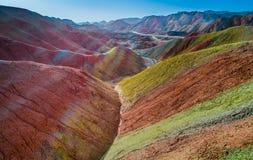 Montagne dell'arcobaleno nel cittadino Geopark di Zhangye Fotografie Stock