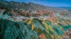 Montagne dell'arcobaleno nel cittadino Geopark di Zhangye Fotografia Stock