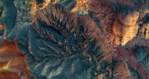 Montagne dell'arenaria che emettono luce arancio nel tramonto Fotografie Stock