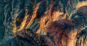 Montagne dell'arenaria che emettono luce nel sole di sera Immagine Stock