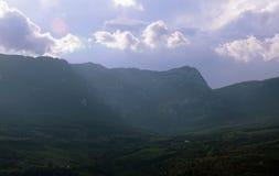 Montagne della Crimea vicino a Gurzuf Hurzuf Immagini Stock Libere da Diritti