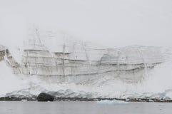 Montagne della neve in ANTARTIDE Immagine Stock