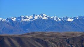 Montagne della neve delle alpi del sud a Canterbury Immagini Stock
