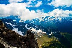 Montagne della neve di Titlis nelle alpi della Svizzera Fotografia Stock Libera da Diritti