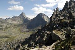 Montagne della sosta nazionale di Ergaki immagini stock libere da diritti