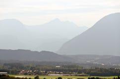 Montagne delle alpi Immagine Stock