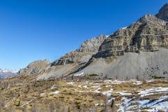 Montagne delle alpi delle dolomia con neve in primavera in Italia Immagine Stock Libera da Diritti