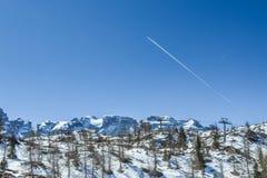 Montagne delle alpi delle dolomia in primavera in Italia vicino a Madonna di Campiglio con il chiari cielo ed aereo Fotografia Stock