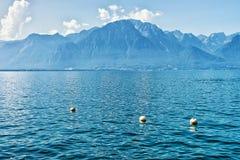 Montagne delle alpi e lago geneva dello svizzero di Montreux Fotografie Stock Libere da Diritti