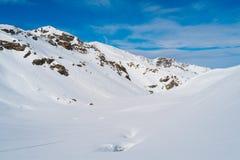 Montagne delle alpi nell'inverno Immagini Stock Libere da Diritti