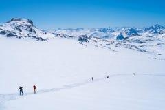 Montagne delle alpi nell'inverno Immagini Stock