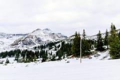 Montagne delle alpi nell'inverno Immagine Stock