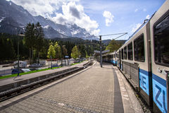 Montagne delle alpi, Zugspitze Fotografie Stock