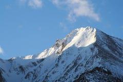 Montagne dello Snowy immagine stock libera da diritti