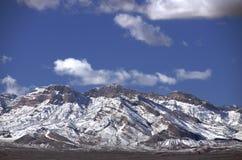 Montagne dello Snowy Fotografie Stock
