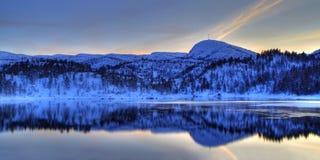Montagne dello Snowy Fotografia Stock Libera da Diritti