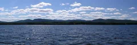 Montagne di Adirondak dal lago Champlain Immagini Stock Libere da Diritti