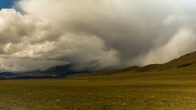 Montagne di Altai Bello paesaggio dell'altopiano La Russia Siberia Timelapse stock footage
