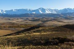 Montagne di Altai, cresta di Chuya, Siberia ad ovest nave Fotografia Stock