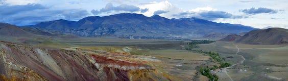 Montagne di Altai, fiume di Chuya e steppa di Kuray Fotografia Stock Libera da Diritti