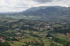 Montagne di Apennines e le valli italiane Fotografie Stock