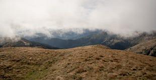 Montagne di Autumn Nizke Tatry dalla collina di Skalka in Slovacchia fotografia stock