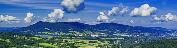 Montagne di Beskydy di panorama Fotografia Stock
