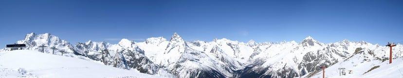 Montagne di Caucaso di panorama Immagine Stock