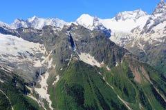 Montagne di Caucaso Dombai Immagine Stock