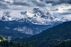 Montagne di Garmisch-Partenkirchen in autunno fotografia stock