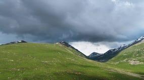 Montagne di Lalusar vicino a Naran Immagini Stock