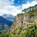 Montagne di Pirenei, della strada ad alta altitudine e del tunnel Fotografia Stock Libera da Diritti