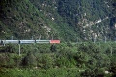 Montagne di Qinling: paesaggio sulla frontiera nord-sud della Cina fotografia stock libera da diritti