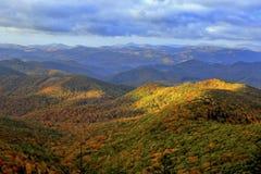 Montagne di Ridge blu in autunno Fotografia Stock