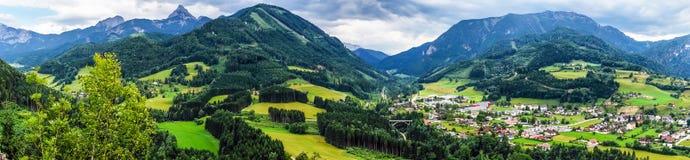 Montagne di Shtiria, Austria, ad estate Immagini Stock