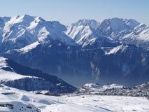 Montagne di Snowy Fotografia Stock Libera da Diritti