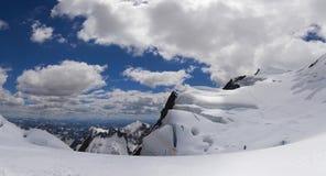 Montagne di Snowy di Altai Immagine Stock