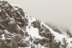 Montagne di Snowy nelle alpi svizzere Fotografia Stock Libera da Diritti